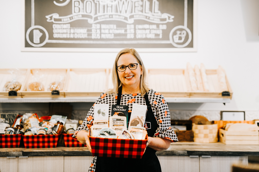 Made-in-MB Gift Baskets - Bothwell Cheese